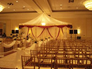 Fairview Park Marriott - Mandap for the ceremony