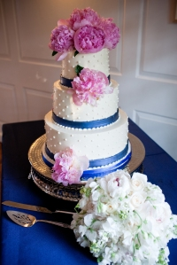 Fluffy Thoughts wedding cake
