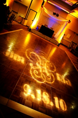 Hollywood glam wedding Holiday Inn Alexandria lighting Davincis Florist